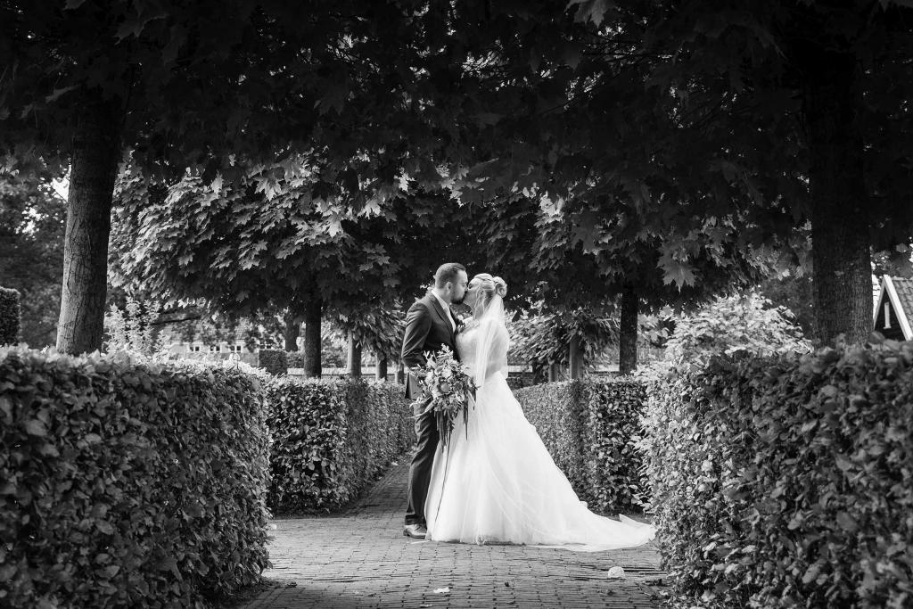 Bruidsfotografie tuinen van Marveld Vollenhove