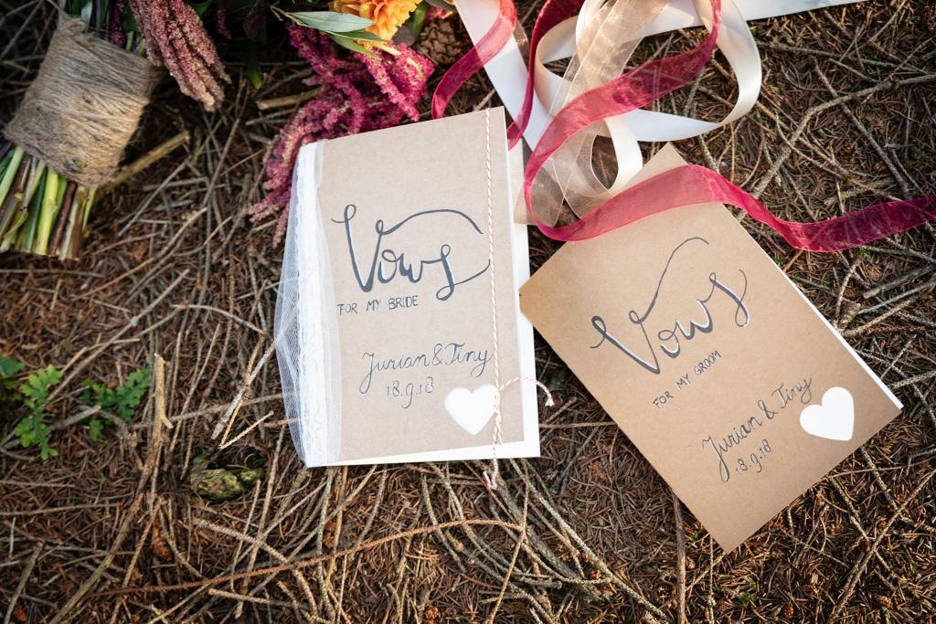 Buiten trouwen trouwen in het bos