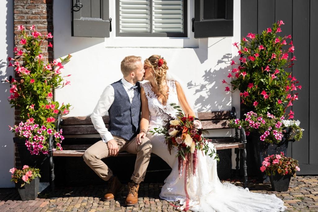 Bloemen trouwen in Elburg